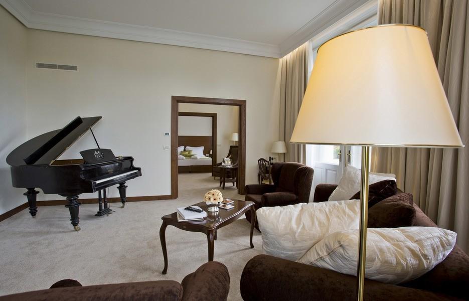 Apartman klavir